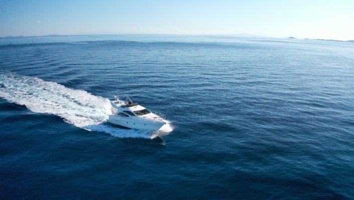 yacht im.2